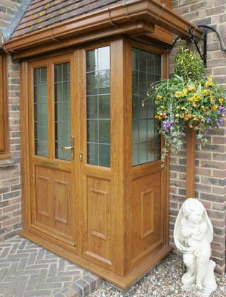 Doors – A Beautiful Porch in Golden Oak PVC-U
